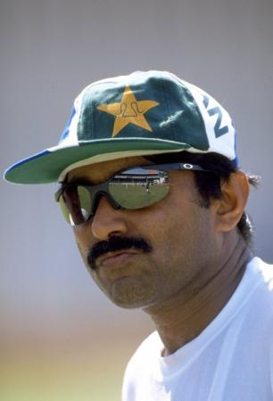Javed Miandad famous pakistan cricketer