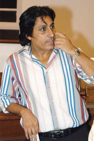 Ramiz Raja famous pakistani cricketer