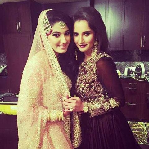 Sania Mirza with Sister Anam Mirza on Her Engagement Day