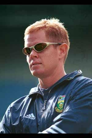 Shaun Pollock famous South African cricketer