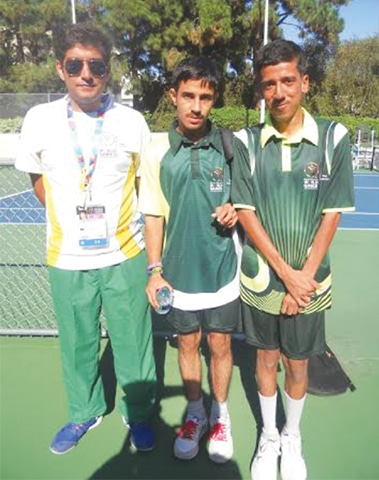 Tennis Gold Medallists Ahsan & Ariff With Coach Rizwan